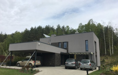 Dviejų aukštų projektai su plokščiu stogu